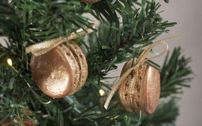 Christmas Gingerbread Macarons