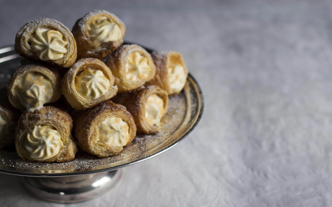 Caramel Puff Pastry Cream Horns