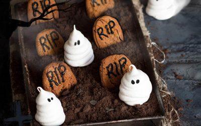 Ghostly Meringues | Whoopie Pie Spiders | Bleeding Brownies