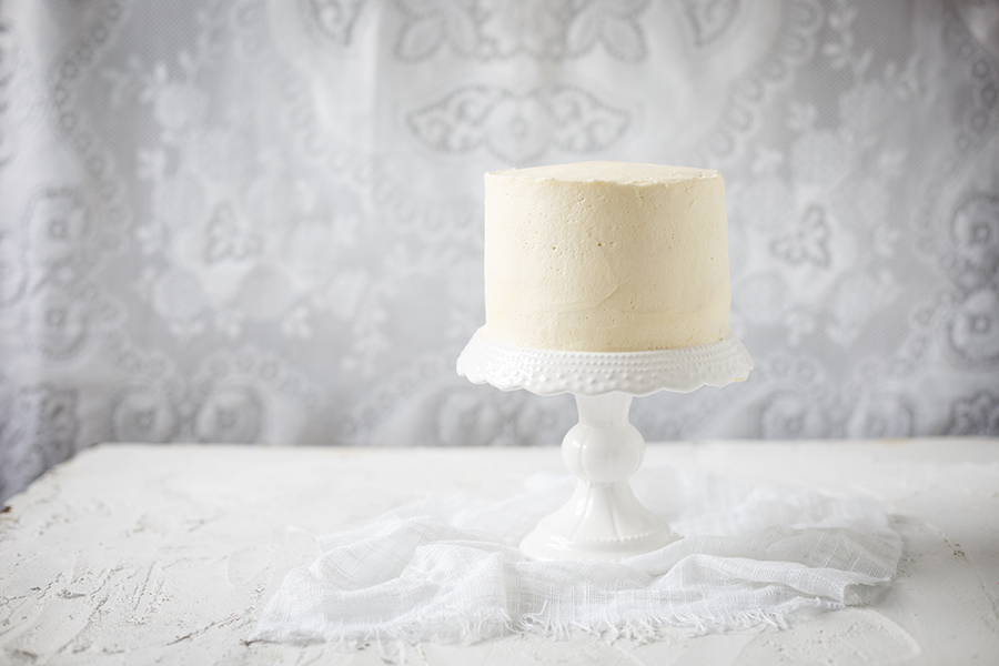 Image of a plain white cake ready to be turned into a brushstroke cake