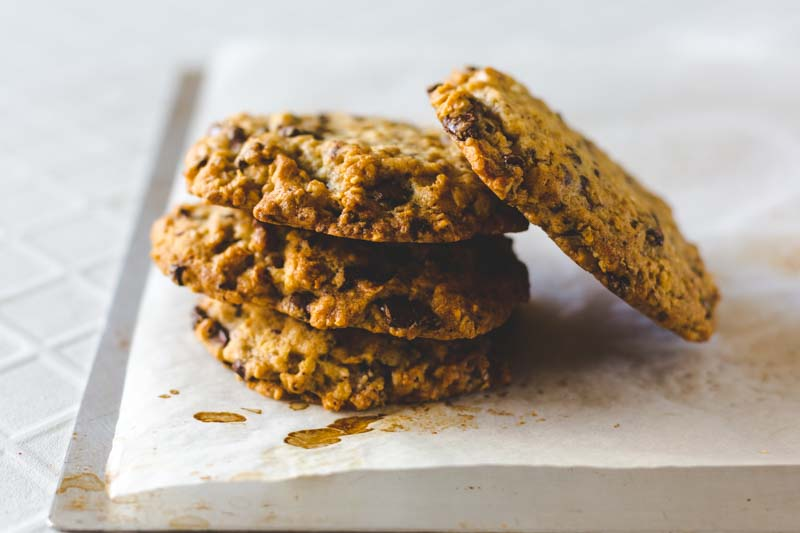 The Best Chocolate Chip Oat Cookies