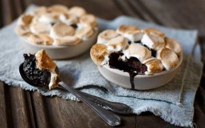 Self-Saucing Gooey Chocolate Marshmallow Puddings